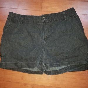 Womens size 16 Cato shorts
